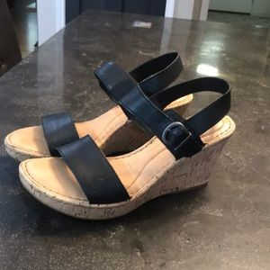 black strappy wedge